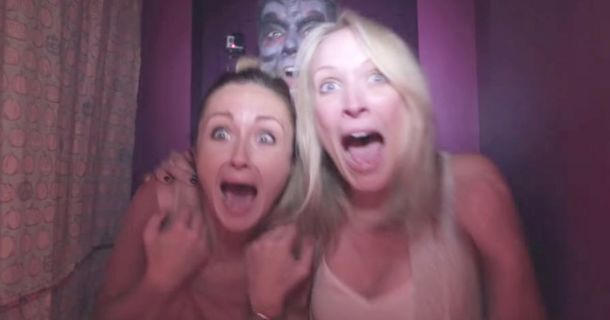 'Haunted' Photobooth Is Going To Make You Laugh Hysterically